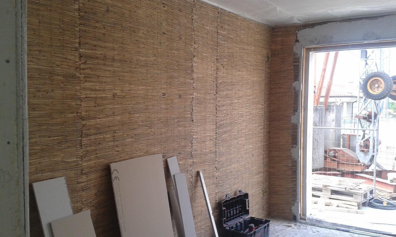 Dettaglio parete legno massiccio interno