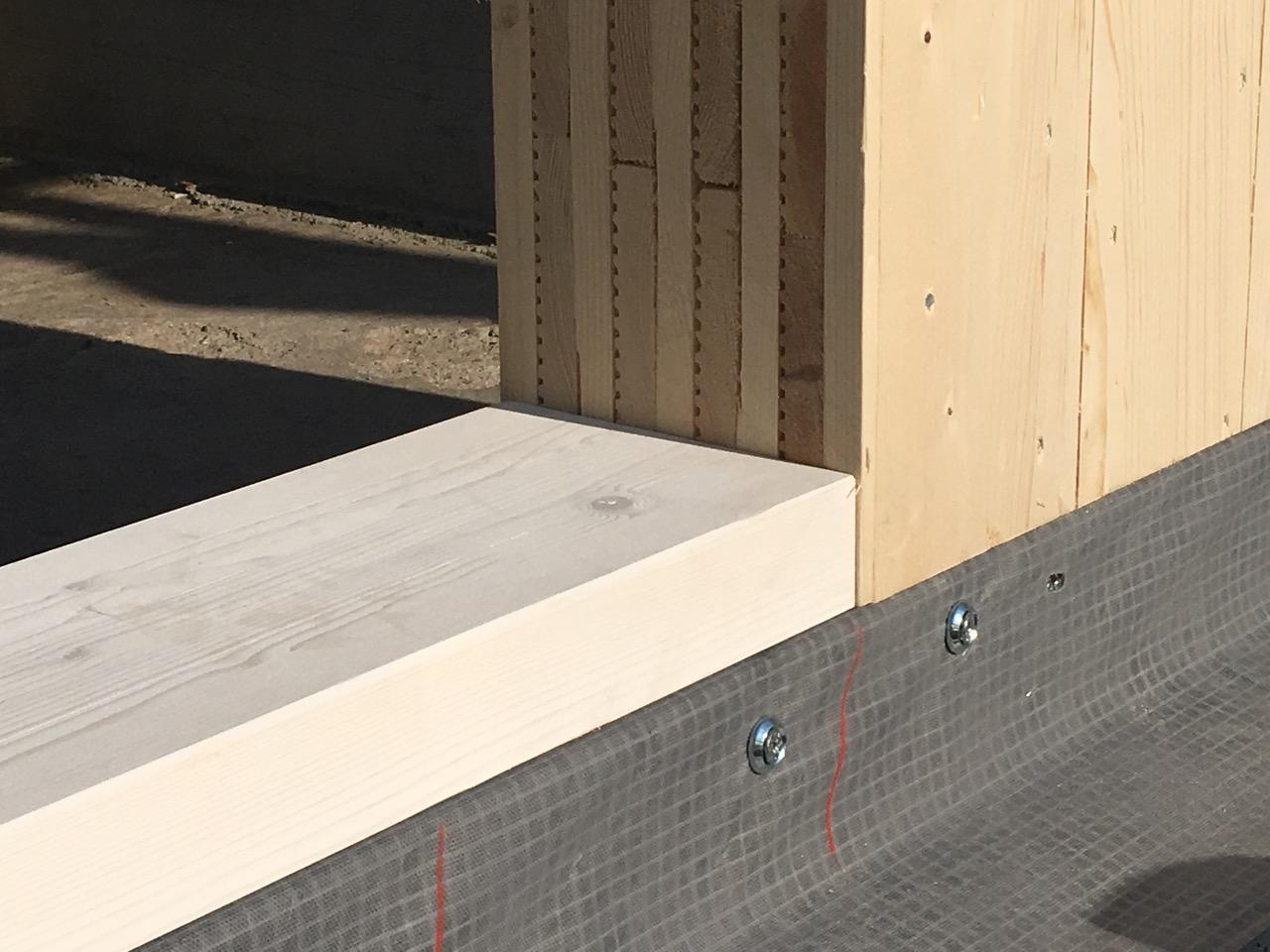 solidha noi lavoriamo così, dettaglio parete legno massiccio